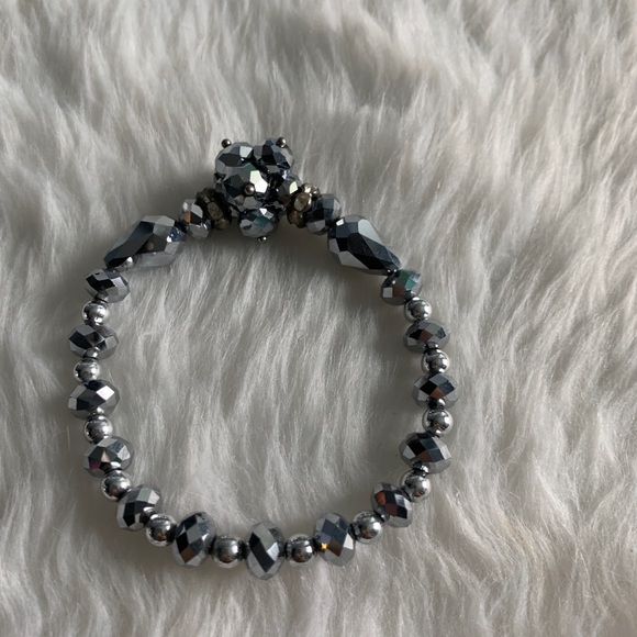 Boutique Jewelry - NEW Silver sparkle cluster beaded stretch bracelet